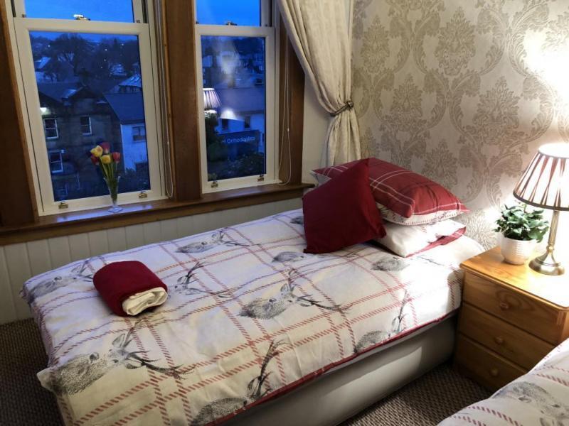 castle-walk-BB-double-room-standard-city-view-6