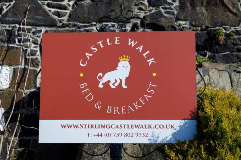 Castle-Walk-BB_01