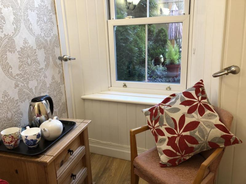castle-walk-BB-Small-double-room-ensuite-bathroom-garden-view-5