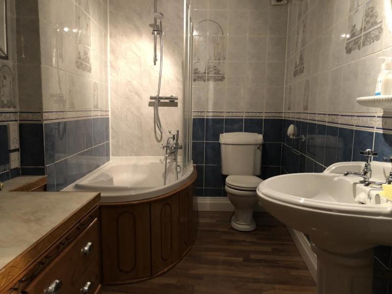 castle-walk-BB-Small-double-room-private-bathroom-garden-view-3