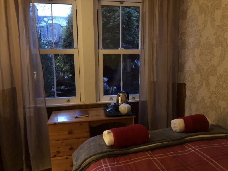 castle-walk-BB-Small-double-room-private-bathroom-garden-view-7
